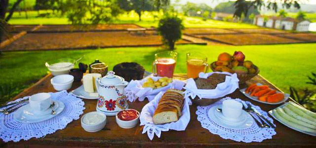 Café da manhã servido na Fazenda Santa Teresa