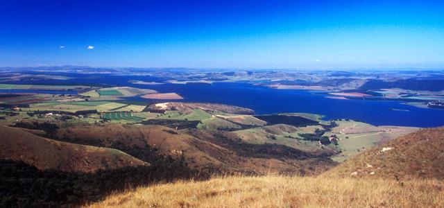 Vista aérea do Lago de Furnas