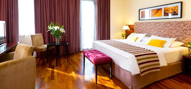 Aproveitar as melhores casas de Tango em Buenos Aires exige uma estadia confortável no NH Jousten. Está em promoção no Zarpo! Não perca!