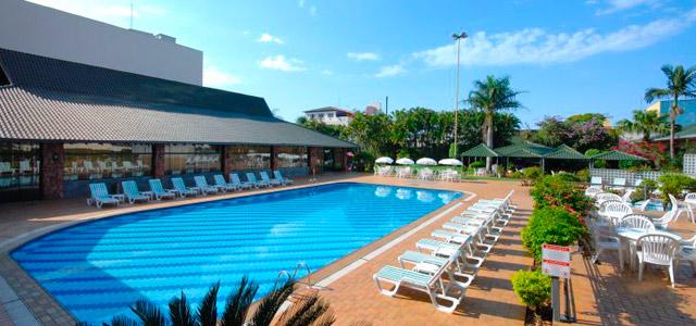 Golden Tulip Internacional Foz: hotel em Foz do Iguaçu com excepcional infraestrutura. Possui piscina, sauna, apartamentos aconchegantes e 2 restaurantes