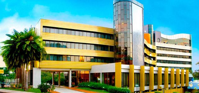 Continental Inn Hotel: muito bem localizado no centro de Foz, tem shopping nas proximidades e conta com acomodações muito confortáveis