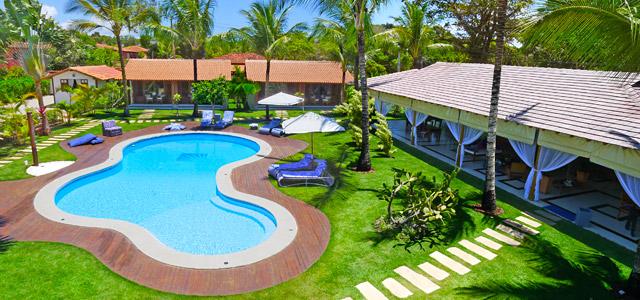 Villa Palmeira Azul: as belezas de Arraial D'Ajuda podem ser exploradas no feriado que celebra o seu, o meu, o nosso dia. O dia do trabalho no Brasil. Não perca a oferta que a pousada e o Zarpo estão oferecendo para você, caro sócio