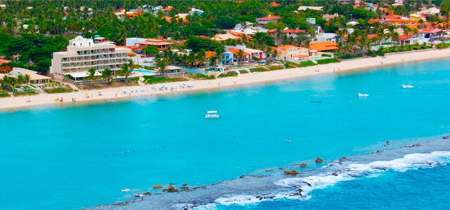 Village Barra Hotel: welcome drink e passeio de catamarã à Praia do Guga são um dos mimos oferecidos aos nossos sócios. Dia 1º de Maio promete ser um feriado repleto de lazer