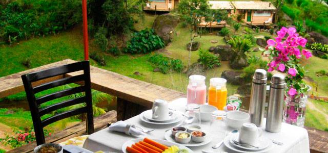 Café da manhã no Refúgio Villa da Mata, a mais aconchegante pousada em São Francisco Xavier