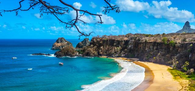 A Praia do Sancho não é considerada só uma das melhores praias do nordeste, mas sim uma das melhores do mundo