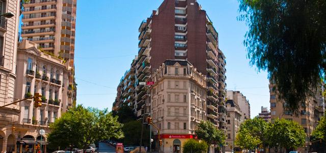 Recoleta é um dos bairros de Buenos Aires que mais inspiram o estilo clássico. Muito além dos famosos cemitérios