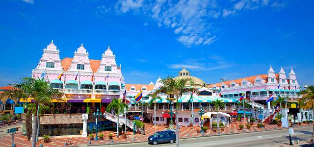 A arquitetura de Aruba tem influência holandesa e compõe um cenário de tirar o fôlego