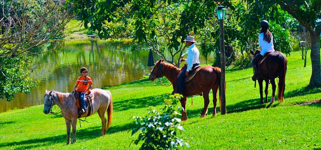 Passeio a cavalo no Hotel Fazenda Areia que Canta
