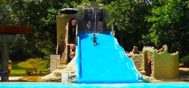 Confira um excelente presente para o dia das crianças, hospede-se com a criançada no deslumbrante Thermas Hotel e Resort.