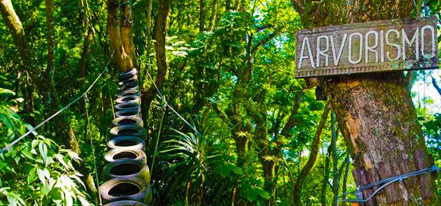 Arvorismo é uma das muitas atrações do Eldorado Atibaia Eco Resort