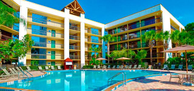 O Hotel Clarion Orlando está à sua espera. Aproveite os Pacotes para Disney