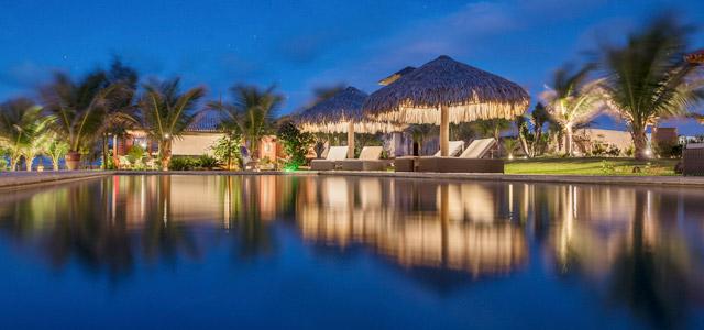Seja de dia, seja de noite, o Hotel Vila Selvagem vai te encantar