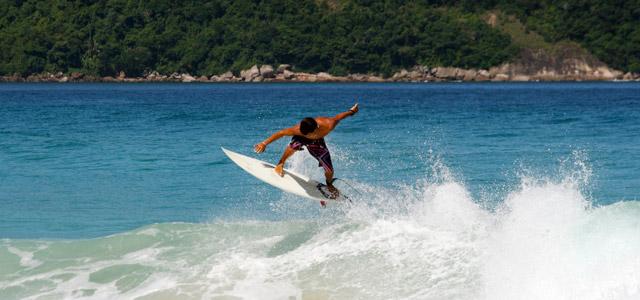 Praia Brava, em Caraguá