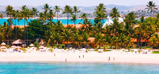 A praia está há poucos minutos do Serrambi Resort