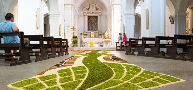 Lembre-se de passar na Igreja antes de viajar nesse Corpus Christi 2015.
