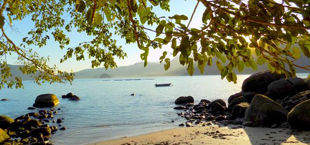 Praia do Oeste - Trilha das sete praias