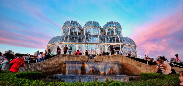 Encante-se com as belezas dos parques de Curitiba