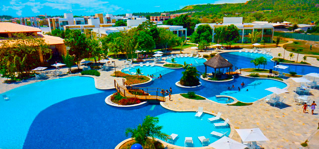 vista-aerea-piscina-Iloa-Resort-zarpo-magazine
