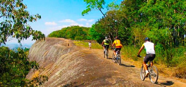 ciclistas-Vale-Suico-Resort-zarpo-magazine