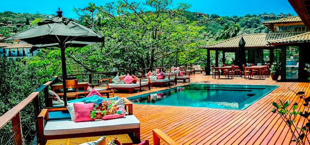 deck-piscina-Insolito-Boutique-Hotel-zarpo-magazine