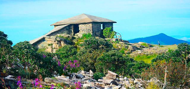 wiki-casa-da-piramide-sao-thome-das-letras-mg-zarpo