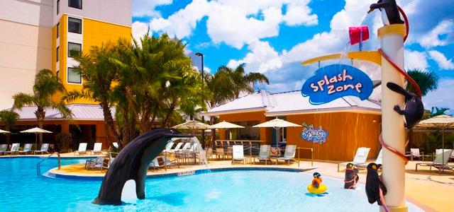 Fairfield-Inn-Suites-at-SeaWorld-piscina-zarpo