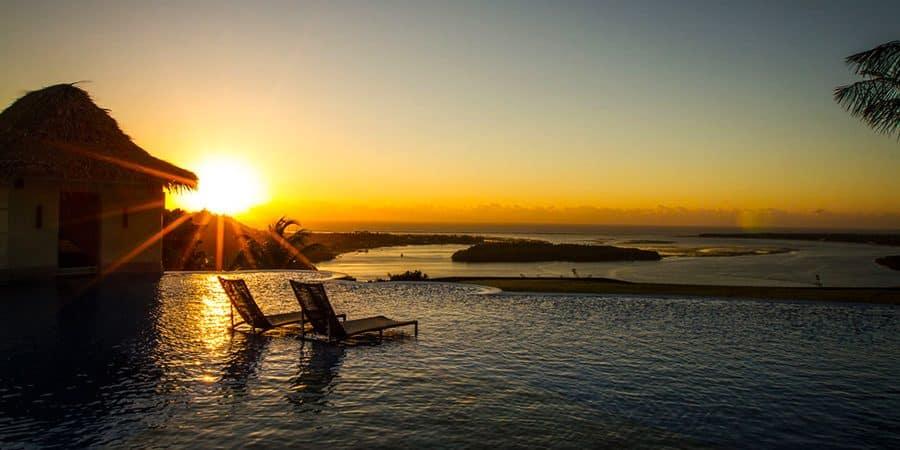 Gungaporanga Hotel na Praia do Gunga: Falésias e embarcações naufragadas