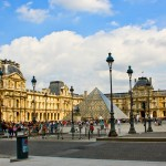 Em Paris, o Museu do Louvre é arte e séculos de História
