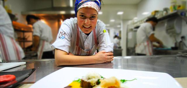 Manoella, chef e proprietária do Restaurante Manu, em Curitiba
