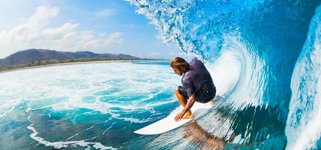 Surfistas preferem a Praia Brava de Caraguá