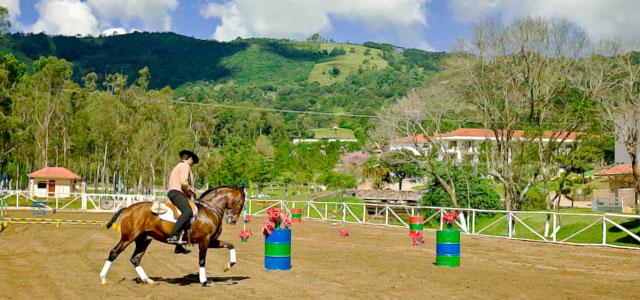 Pista de equitação, no Vale Suiço Resort, em Itapeva