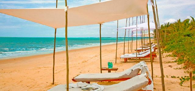Servico de praia do Hotel Vila Naiá, Praia de Corumbau