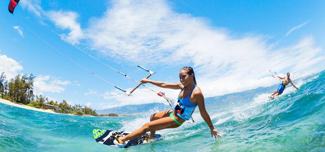 Kitesurf, esporte muito praticado nas águas de Jeri