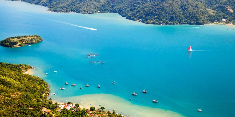 As praias de Paraty são atrações à parte na cidade histórica!