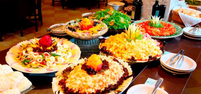 Você não se cansará da culinária variada do La Torre Resort
