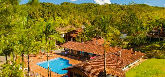 Eco Hotel Arraial do Ouro: trilhas, cachoeiras, piscinas e muito verde é o que promete essa estada em Santa Catarina. Sua Páscoa 2014 com muito fôlego!