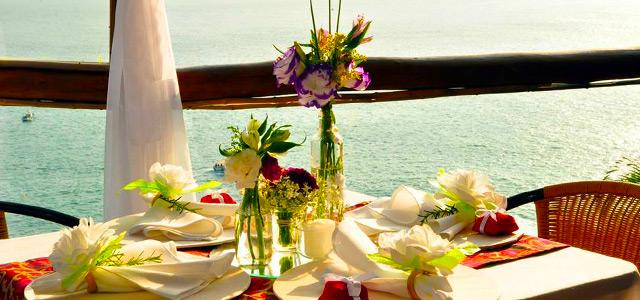 O All Mirante Bar e Restaurante tem vista privilegiada para o mar de Ilhabela e conta com uma das mais famosas culinárias dentre os restaurantes em Ilhabela