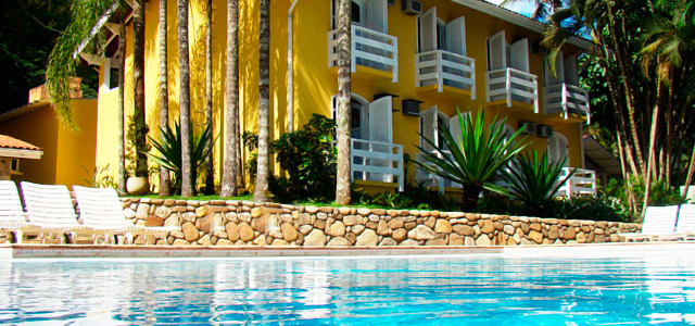 Hotel Canoa: a 100 metros da Praia Barra do Una, o hotel oferece passeios de barco para você curtir muito seu feriado de 1º de Maio