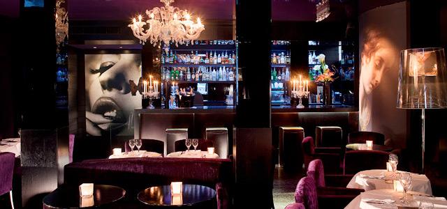O Restaurante Le Daniel's, no Mon Hotel, oferece gastronomia asiática e europeia, ideais para uma lua de mel em Paris