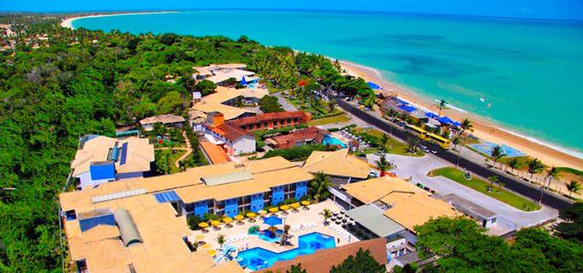 Brisa da Praia: toboáguas, cascatas, pólo aquático, hidromassagem e bons drinks. Essas são algumas das coisas que te farão relaxar no feriado do dia primeiro de maio em Taperapuã, a apenas 5 km do centro de Porto Seguro
