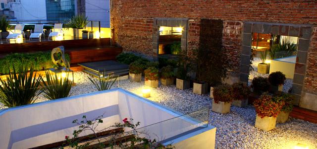 Azur Real: localizado na cidade de Córdoba, faz parte do conjunto arquitetônico da cidade e chama atenção pelo design minimalista. Presente para o dia dos namorados internacional