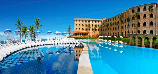 Coliseum Hotel: com vista para a paradisíaca Praia das Fontes, essa estada conta com belezas naturais que encantarão até mesmo a mamãe mais viajada