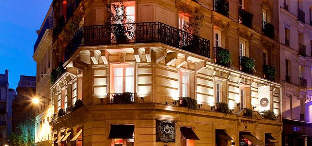 Lua de mel em Paris exige uma boa estada! O Mon Hotel está à altura dessa exigência