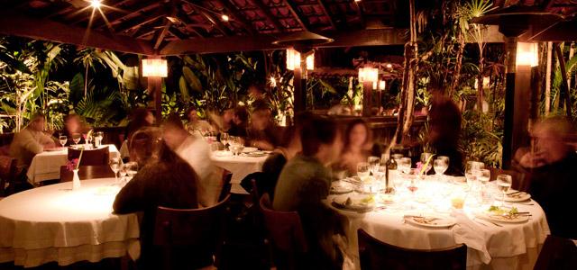 O restaurante Manacá conta com pratos elaborados e foi eleito o 3º de 419 restaurantes no TripAdvisor. Aproveite a praia de Camburi para eleger o seu!