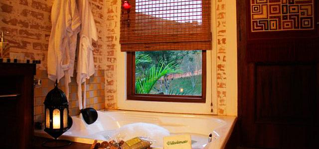 Relaxe na hidromassagem do Refúgio Villa da Mata, a mais carismáticas pousada em São Francisco Xavier