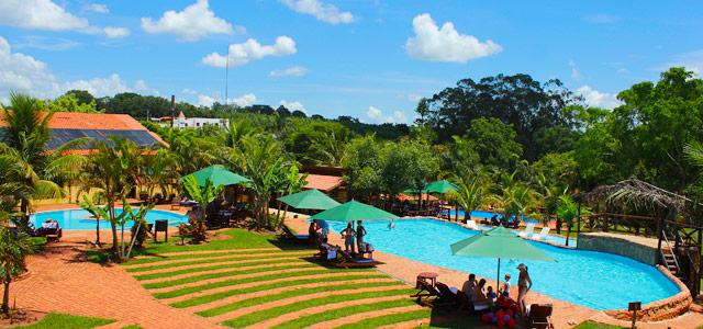 Uma das piscinas do Recanto Alvorada, excelente hotel fazenda em Brotas