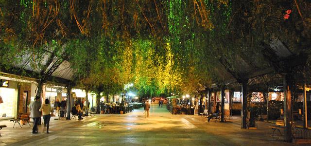 Gramado combina com inverno no Brasil. Hotéis e restaurantes mantém o clima romântico e relaxante por toda a cidade