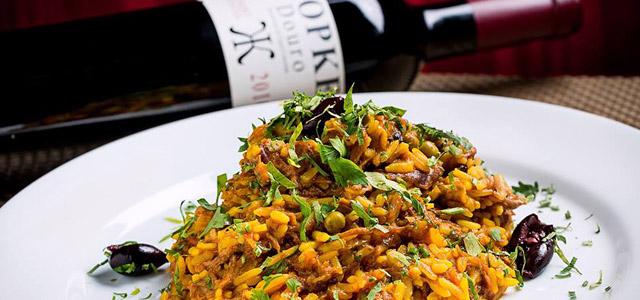 Adegão Português é tradicional e oferece o melhor da gastronomia portuguesa