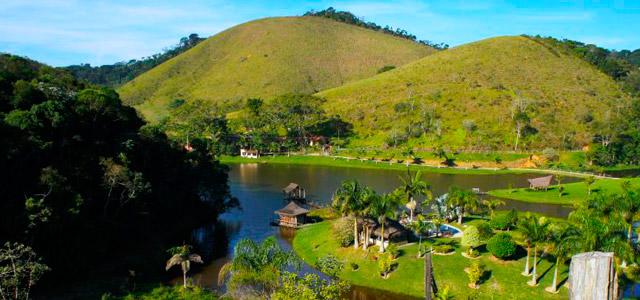 Piraí também está na nossa lista de lugares do Rio de Janeiro para conhecer. Hospede-se na Reserva Aroeira e relaxe à beira do rio