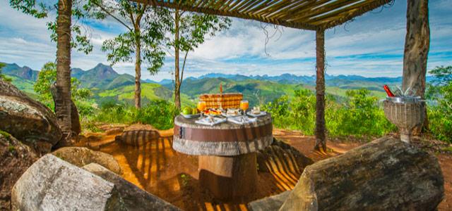 A vista da Serra dos Órgãos  do Hotel Fazenda Rosa dos Ventos é encantadora!